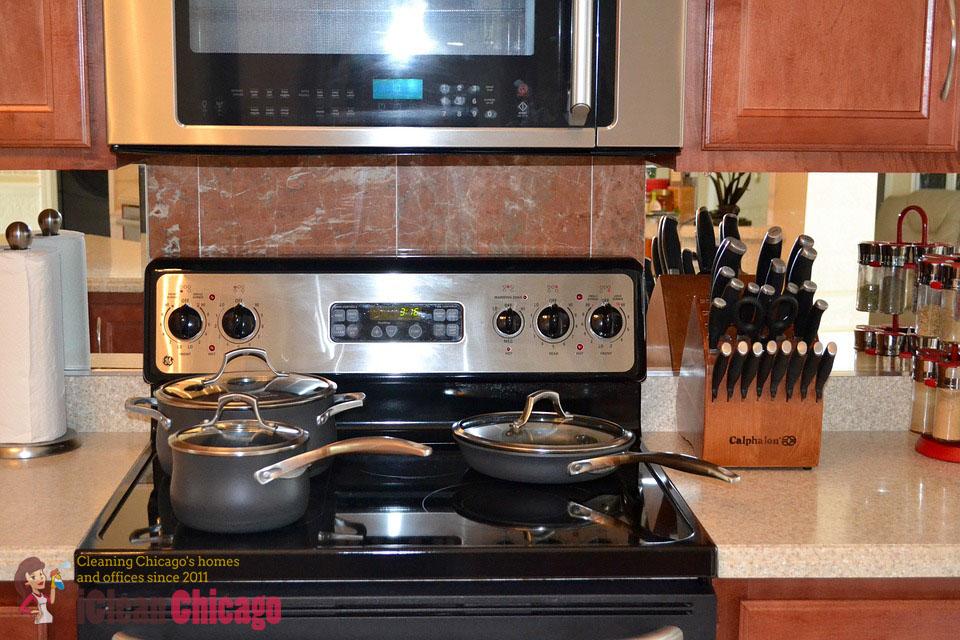 Kitchen, Oven